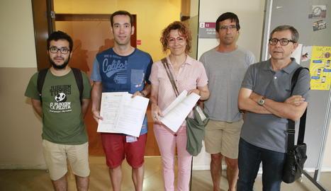 Entreguen 680 firmes al rector de la UdL contra el rebuig de la universitat al Pacte Nacional pel Referèndum