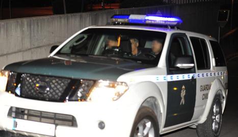 Villar, en el moment de ser traslladat als calabossos per la Guàrdia Civil ahir a la matinada.