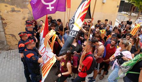 Manifestació en contra del parador de l'esquerra independentista