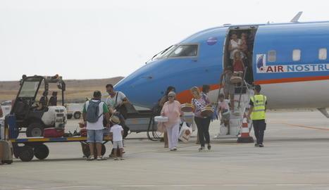Passatgers que van arribar des de Menorca l'estiu del 2016.
