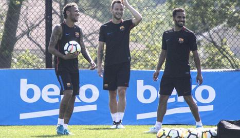 Neymar, Rakitic i Douglas ahir en el primer entrenament en territori nord-americà.