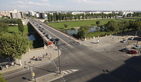 La Paeria eliminarà la mitjana del pont Universitat i habilitarà carril bici d'anada i tornada a la calçada de la dreta, al costat del campus.