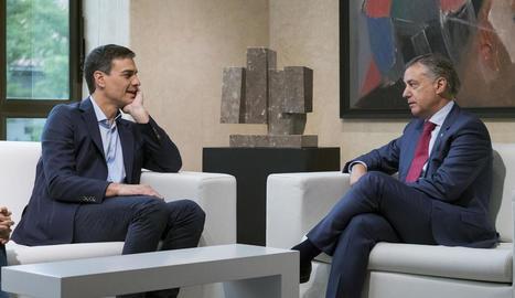 Pedro Sánchez va donar mostres de sintonia amb Iñigo Urkullu ahir en la reunió a Vitòria.