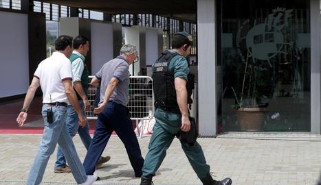 Ángel María Villar, a l'arribar a l'RFEF després de la seua detenció.