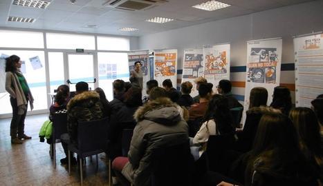 Un dels tallers impartits per l'Associació Antisida Lleida dirigit a joves.