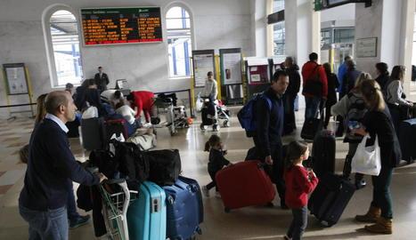 Imatge d'arxiu d'una altra jornada de vaga l'any passat a l'estació del ferrocarril de Lleida.