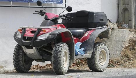 A la foto, el quad amb què circulava Nieto per la carretera de Santa Gertrudis després de l'accident.