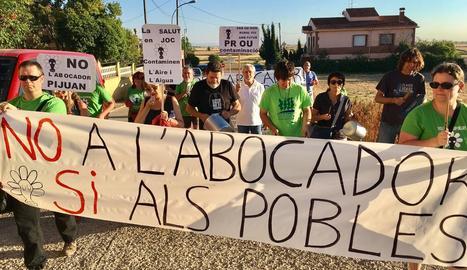 Cassolada de protesta per paralitzar les obres de la planta d'Ossó de Sió