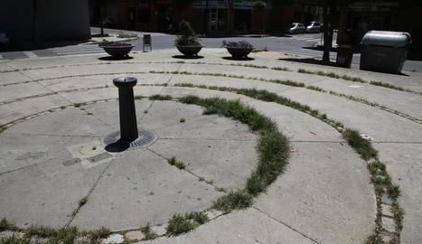Imatge de l'estat de la plaça dels Drets Humans de la Bordeta.