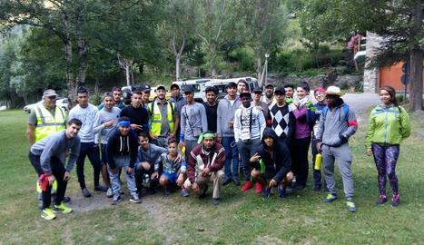 Camp de treball a Lladorre amb 25 joves de Barcelona