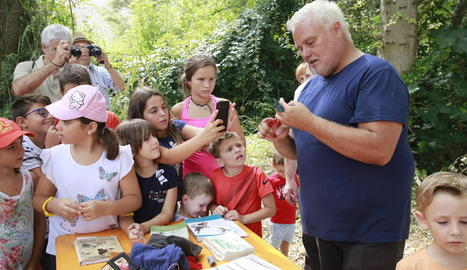 Els assistents van poder participar en l'anellatge d'ocells i conèixer diferents espècies.