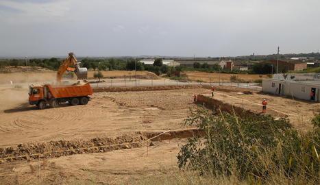 Els treballs d'excavació per als fonaments ja permeten visualitzar el perímetre del futur edifici.