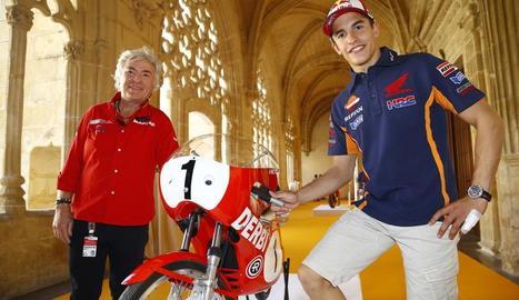 Ángel Nieto, amb Marc Màrquez a la Seu Vella, en una de les seues diverses visites a Lleida.