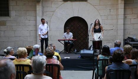 La cantant catalana Cèlia Pallí i el sud-africà François Klark, a l'IEI