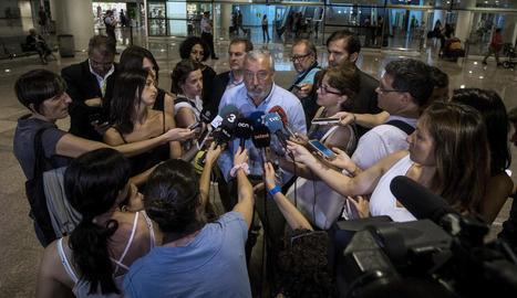Les cues per accedir al control de seguretat de l'aeroport seguien ahir per la vaga d'Eulen.