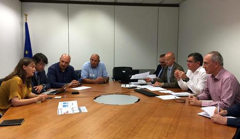 Un moment de la reunió de la consellera Meritxell Serret i Manel Simon a Brussel·les.