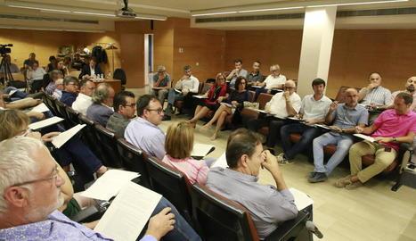El consell d'alcaldes del Segrià va estar quasi complet i van faltar-hi pocs representants municipals.