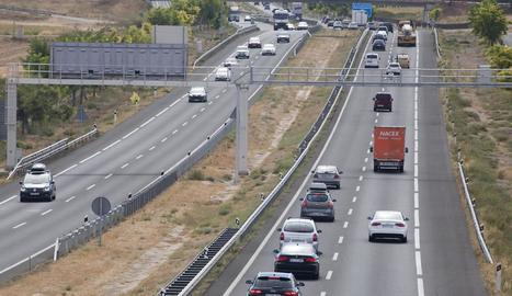 El tram de Vilagrassa del radar, ahir, en el qual es pot veure diversos vehicles frenant al seu pas.