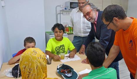 L'alcalde accidental, Xavier Rodamilans, va visitar ahir el centre Gínjol de Balàfia i va lloar-ne la tasca.