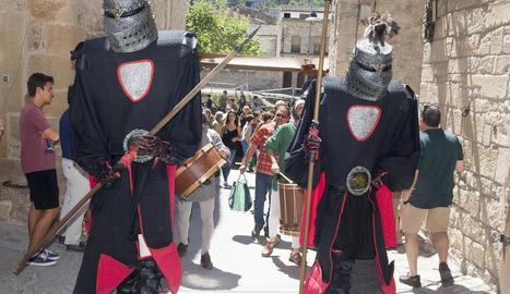 Els carrers es van omplir d'espectacles de tot tipus per reviure l'època medieval.