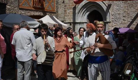 El Mercat Càtar va congregar nombrós públic a Castellbò.