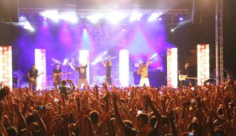 Prop de 2.500 persones al concert de La Raíz a Torregrossa