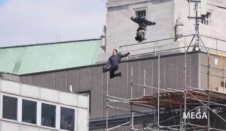 Tom Cruise resulta herido durante una escena acrobática de