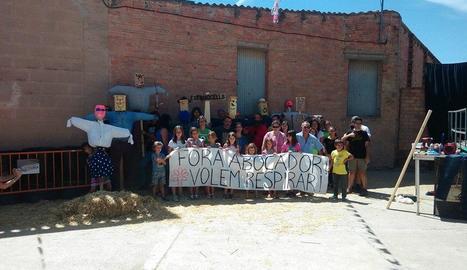 Els participants en el taller d''estimaocells' contra la planta.