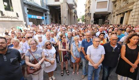 Minut de silencia a la plaça Paeria de Lleida