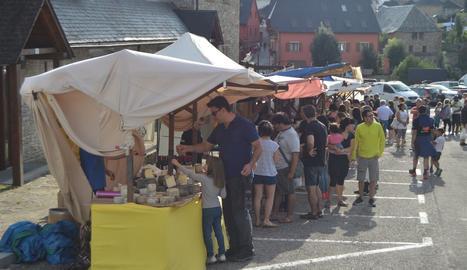 Una vintena de parades a la fira del formatge de Salardú