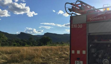 Els bombers de Coll de Nargó a l'accident de divendres.