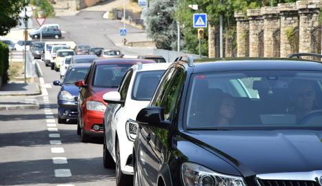 A la Seu es van registrar cues en direcció a Andorra.