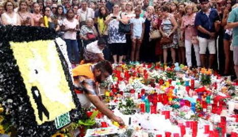 Els terroristes de Cambrils anaven a matar desenes de persones amb ganivets