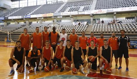 L'Actel Força Lleida va iniciar ahir els entrenaments de pretemporada amb cinc jugadors del primer equip i una notable presència de jugadors del planter i convidats.