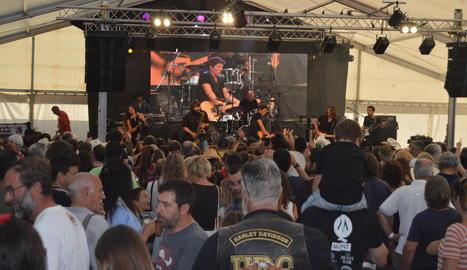 La carpa del Salardú Country Rock Festival es va omplir per veure Manel Fuentes & The Spring's Team.