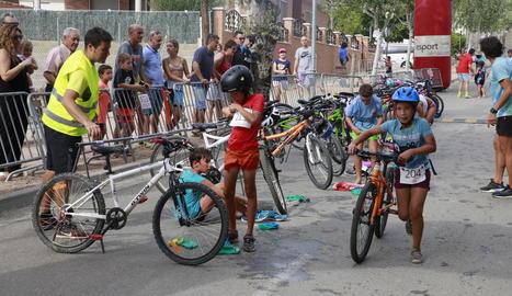 Primera edició del triatló de categoria infantil a Raimat