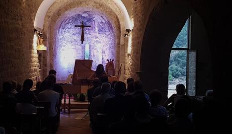 Lina Tur va tancar diumenge el festival al castell de Mur.