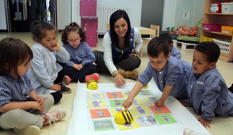 Nens d'educació infantil del col·legi Francesc Feliu d'Aitona, en una classe el curs passat.