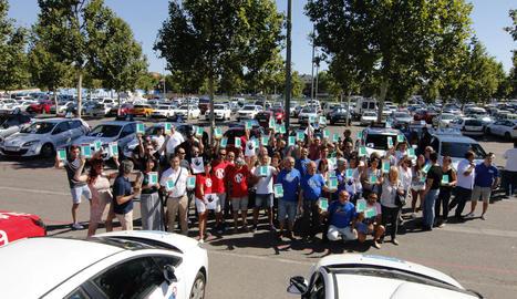 Imatge d'arxiu de la concentració d'autoescoles del passat 5 de juliol davant de la DGT a Lleida.