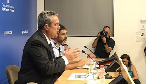 La roda de premsa aquest dijous del conseller d'Interior i el major dels Mossos d'Esquadfa,