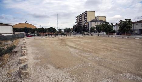 El pàrquing està situat a l'avinguda Guissona de Cervera.