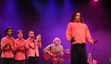 Pau Riba, al centre de la imatge amb guitarra, tornarà al desembre a la Slàvia amb The Mortimers.