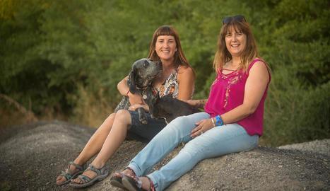 """Mireia Segarra i Carme Bergadà: """"Els gossos són fidels, no són rancorosos ni tenen prejudicis"""""""