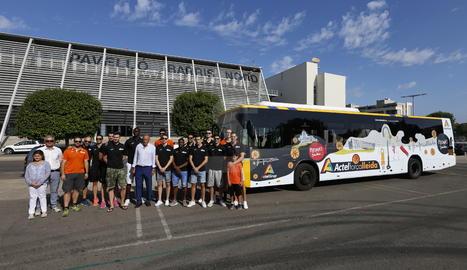 La presentació del bus urbà del Força Lleida.