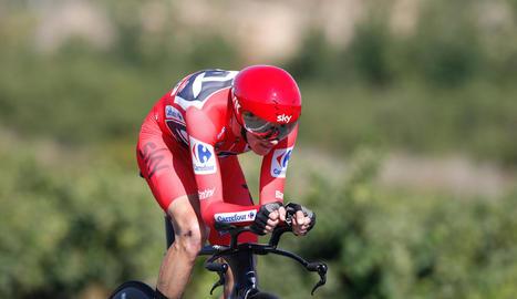 Chris Froome, durant la contrarellotge entre el Circuit de Navarra i la ciutat de Logronyo.