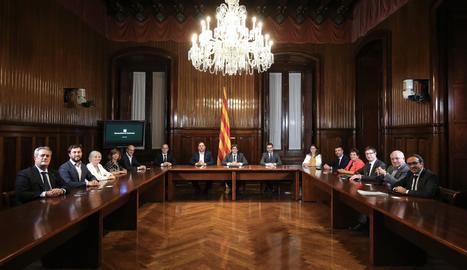 El Consell Executiu del Govern reunit al Parlament.