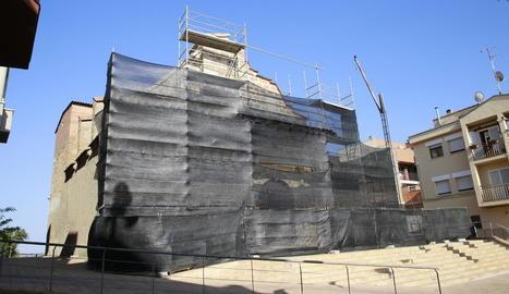 Bastides que s'han aixecat a l'església de Sant Pere.