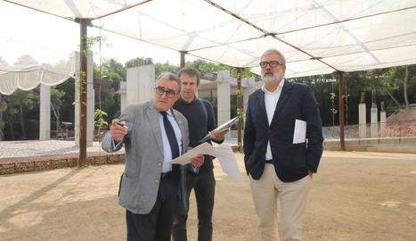 L'alcalde va visitar ahir el Museu del Clima i de la Ciència amb el coordinador i Larrosa.