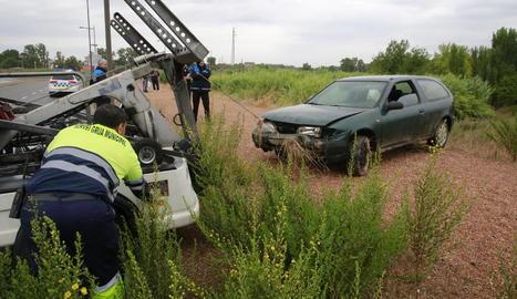 Bolca un cotxe a Cappont i els ocupants resulten il·lesos