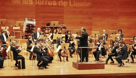 Imatge d'arxiu d'un concert de l'Orquestra Julià Carbonell a l'Auditori Enric Granados.